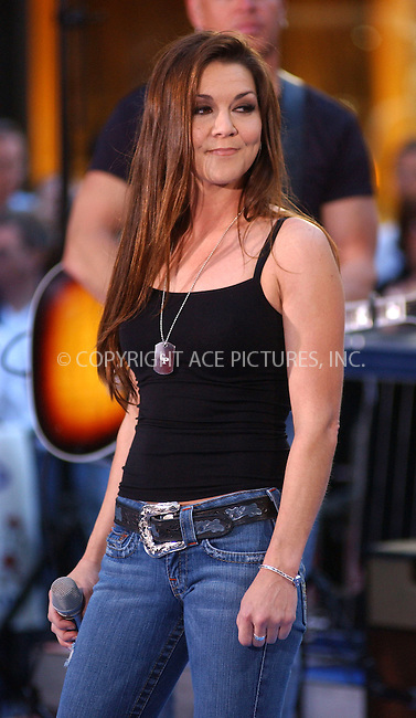 WWW.ACEPIXS.COM . . . . . ....NEW YORK, SEPTEMBER 27, 2005....Gretchen Wilson performs as a part of The Today Show Concert Series.....Please byline: KRISTIN CALLAHAN - ACE PICTURES.. . . . . . ..Ace Pictures, Inc:  ..Craig Ashby (212) 243-8787..e-mail: picturedesk@acepixs.com..web: http://www.acepixs.com