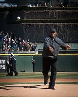Bo Jackson  throwing out the first pitch at the White Sox home opener Monday
