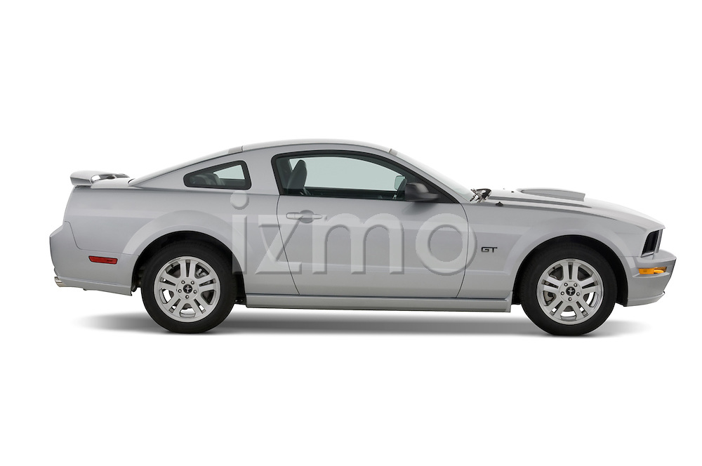 Passenger side profile of a 2007 Ford Mustang GT Coupe