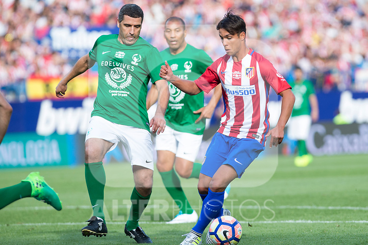 Noureddine Naybet and Oliver Torres during the last match to be played by Atletico de Madrid at Vicente Calderon Stadium in Madrid, May 28, 2017. Spain.. (ALTERPHOTOS/Rodrigo Jimenez)