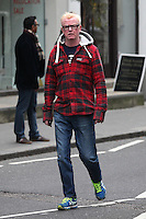 EXCLUSIVE ALL ROUND PICTURE: MATRIXPICTURES.CO.UK.PLEASE CREDIT ALL USES..WORLD RIGHTS..English TV presenter Chris Evans is spotted in central London...NOVEMBER 9th 2012..REF: WTX 125172