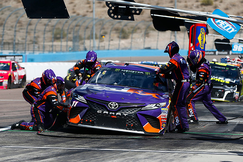 Monster Energy NASCAR Cup Series<br /> TicketGuardian 500<br /> ISM Raceway, Phoenix, AZ USA<br /> Sunday 11 March 2018<br /> Denny Hamlin, Joe Gibbs Racing, Toyota Camry FedEx Freight pit stop<br /> World Copyright: Barry Cantrell<br /> NKP / LAT Images