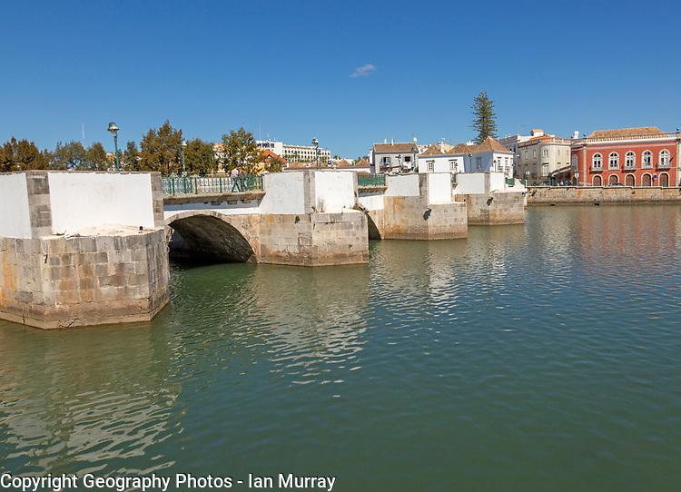 Ponte Romana de Tavira, Roman Bridge spanning the River Gilao, town of Tavira, Algarve, Portugal, Europe