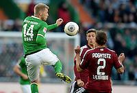 FUSSBALL   1. BUNDESLIGA   SAISON 2013/2014   7. SPIELTAG SV Werder Bremen - 1. FC Nuernberg                    29.09.2013 Aaron Hunt (li, SV Werder Bremen) gegen Emmanuel Pogatetz (re, 1. FC Nuernberg)