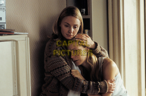 HOPE DAVIS & GWYNETH PALTROW.in Proof.**Editorial Use Only**.www.capitalpictures.com.sales@capitalpictures.com.Supplied by Capital Pictures