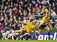 Twickenham, GREAT BRITAIN, Sam TOMPKINS, misses the intercept during the 2011 Killik Cup Match Barbarians [Baa Baa's] vs Australia, Played at the RFU Stadium Twickenham, Surrey on Saturday 26/11/2011 [Photo, Peter Spurrier/Intersport-images]