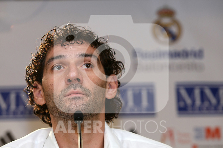 Real Madrid's Basketball new player Jorge Garbajosa during his presentation. August 17 2009. (ALTERPHOTOS/Acero).