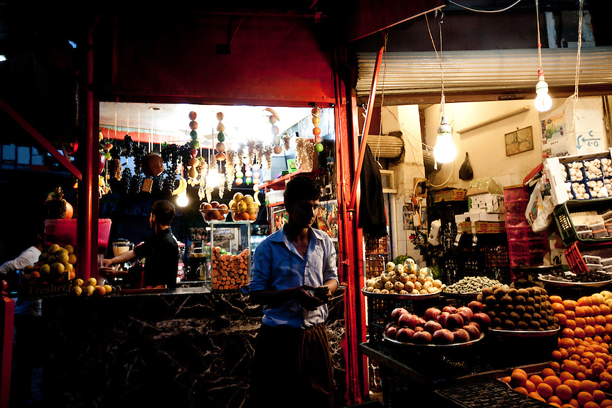 Iraq - Kurdistan - Sulaymaniyah -   Old bazaar at night