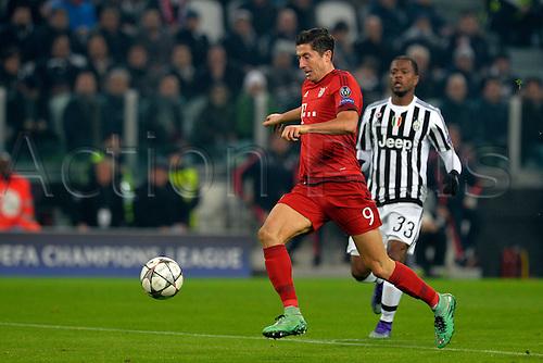 23.02.2016. Turin, Italy. UEFA Champions League football. Juventus versus Bayern Munich.  Robert Lewandowski plays the ball