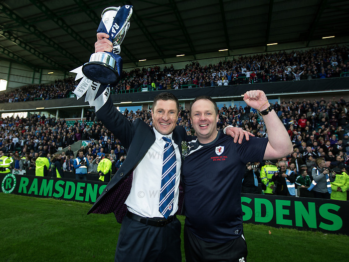 Grant Murray and Paul Smith with the cup