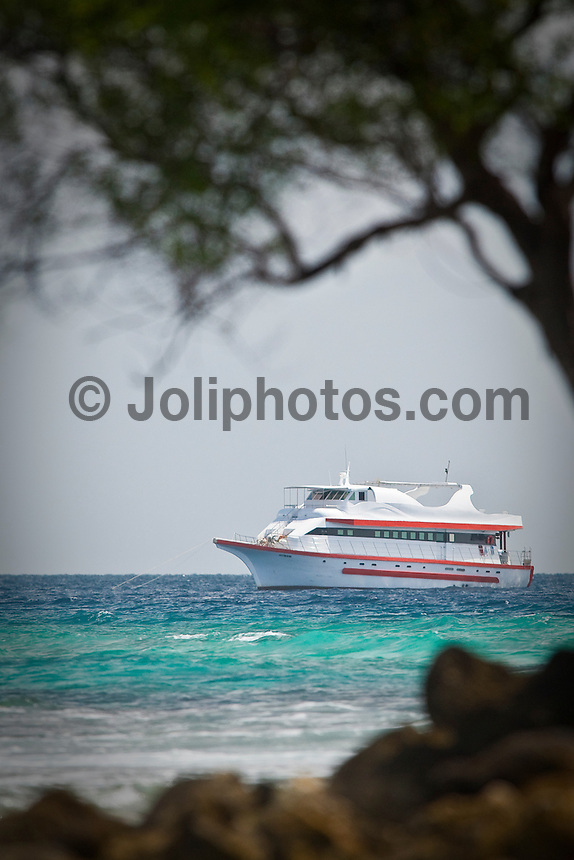 The Vaagali Cruise boat in the South Male Atolls during a surfing safari in the Maldives (Thursday, June 11th, 2009). Photo: joliphotos.com