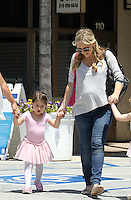 Pregnant actress Sarah Michelle Gellar seen picking up her daughter Charlotte from dance class in Sherman Oaks, California on 16.06.2012...Credit: Correa/face to face.. /MediaPunch Inc. ***FOR USA ONLY***