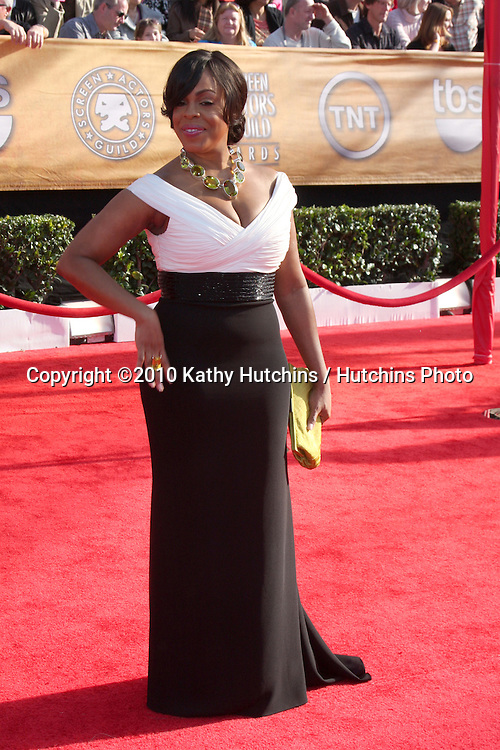 Niecy Nash.arriving at the 2010 Screen Actor's Guild Awards.Shrine Auditorium.Los Angeles, CA.January 23, 2010.©2010 Kathy Hutchins / Hutchins Photo....