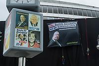 """Aus Protest gegen die Klima- und Kohlepolitik der Bundesregierung verhuellten Aktivisten der Umweltschutzorganisation Greenpeace am Dienstag den 1. Juli 2020 die Fassade der CDU-Parteizentrale in Berlin. Die Aktivisten seilten sich vom Dach der Parteizentrale ab und verkleideten das Gebaeude mit schwarzem Stoff. Ueber dem Eingang wurde ein Transparent mit dem Konterfei des Wirtschaftsminister Peter Altmaier (CDU) und der Aufschrift """"CDU: Dunkle Geschaefte mit der Kohleindustrie, #KeinGeldFuerGestern"""" aufgehaengt.<br /> 1.7.2020, Berlin<br /> Copyright: Christian-Ditsch.de<br /> NUR FUER REDAKTIONELLE ZWECKE! Werbung nur auf Anfrage beim Fotografen. [Inhaltsveraendernde Manipulation des Fotos nur nach ausdruecklicher Genehmigung des Fotografen. Vereinbarungen ueber Abtretung von Persoenlichkeitsrechten/Model Release der abgebildeten Person/Personen liegen nicht vor. NO MODEL RELEASE! Don't publish without copyright Christian-Ditsch.de, Veroeffentlichung nur mit Fotografennennung, sowie gegen Honorar, MwSt. und Beleg. Konto: I N G - D i B a, IBAN DE58500105175400192269, BIC INGDDEFFXXX, Kontakt: post@christian-ditsch.de<br /> Bei der Bearbeitung der Dateiinformationen darf die Urheberkennzeichnung in den EXIF- und  IPTC-Daten nicht entfernt werden, diese sind in digitalen Medien nach §95c UrhG rechtlich geschuetzt. Der Urhebervermerk wird gemaess §13 UrhG verlangt.]"""