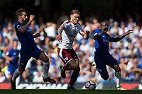 Burnley's Jeff Hendrick in action<br /> <br /> Photographer Craig Mercer/CameraSport<br /> <br /> The Premier League - Chelsea v Burnley - Saturday August 12th 2017 - Stamford Bridge - London<br /> <br /> World Copyright &copy; 2017 CameraSport. All rights reserved. 43 Linden Ave. Countesthorpe. Leicester. England. LE8 5PG - Tel: +44 (0) 116 277 4147 - admin@camerasport.com - www.camerasport.com