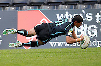 PICTURE BY MARK GREEN/SWPIX.COM - Rugby League - Carnegie Challenge Cup, 4th Round - London Broncos v Dewsbury Rams, The Stoop, Twickenham, England - 15/04/12 - London Bronco's Kieran Dixon's scores a try.