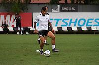 SANTOS, SP, 17.11.2015 - FUTEBOL-SANTOS - Gabriel do Santos durante sessão de treinamento no Centro de Treinamento Rei Pelé nesta terça-feira, 17. (Foto: Flavio Hopp / Brazil Photo Press)
