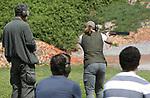 Foto: VidiPhoto<br /> <br /> BIDDINGHUIZEN &ndash; De eerste 130 cursisten hebben maandag in Biddinghuizen de drie verplichte onderdelen voor het jachtexamen afgelegd op de schietbaan Dorhout Mees in Biddinghuizen. Tot donderdag volgen er nog ruim 700 jagers in sp&eacute;. Wettelijk verplicht voor het jachtdiploma zijn hagelschieten (op kleiduiven), kogelschieten (op schijf met afbeelding een reebok) en jachtpraktijk (veilig omgaan met geweer). Met 875 cursisten is de jachtopleiding dit jaar volgeboekt. Jagen is enorm populair. Opvallend is een stijgend aantal jagende vrouwen, jongeren en mensen uit de Randstad. Het aantal vrouwen dat jachtexamen doet is dit jaar zelfs hoger dan ooit: bijna 14 procent. Dit jaar hebben 440 jonge cursisten zich ingeschreven, de helft van het totaal.