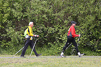 Nordic Walker im Mainvorland am HR4 Walking Day in Rüsselsheim