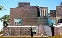 Frank Gehry: Center for the Visual Arts, Toledo, 1995. (From east.) (Photo '97)