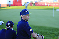 Davis Love III Captain US Team at the 18th green during Saturday Afternoon Fourball Matches of the 41st Ryder Cup, held at Hazeltine National Golf Club, Chaska, Minnesota, USA. 1st October 2016.<br /> Picture: Eoin Clarke | Golffile<br /> <br /> <br /> All photos usage must carry mandatory copyright credit (&copy; Golffile | Eoin Clarke)