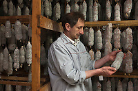 Europe/France/Rhone-Alpes/07/Ardéche/Cros de Géorand: Didier Moulin à la charcuterie Moulin [Non destiné à un usage publicitaire - Not intended for an advertising use]