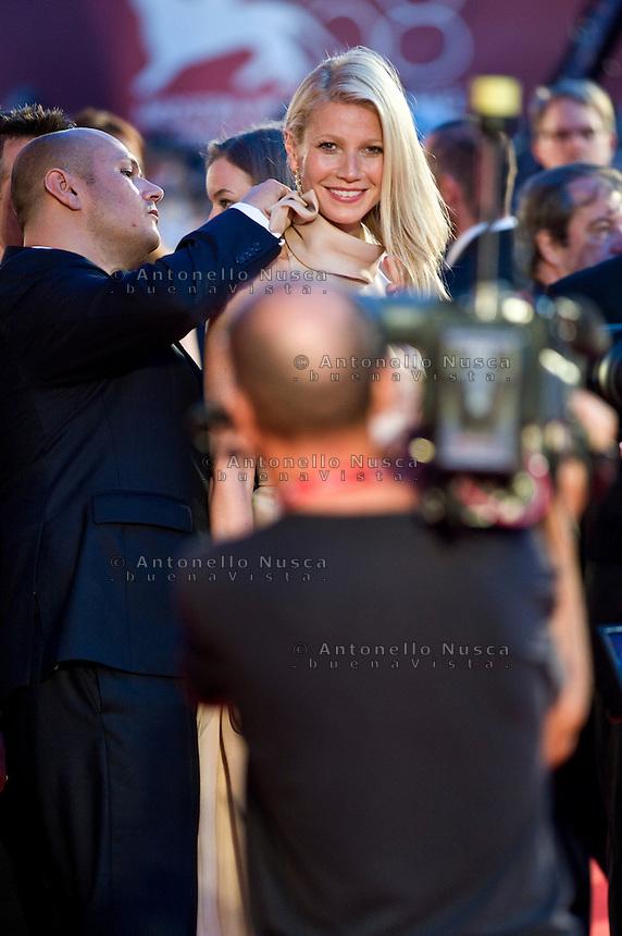 Gwyneth Paltrow durante il red carpet per la presentazione del film 'Contagion' al 68th Festival del cinema di Venezia
