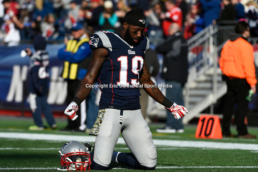 November 23, 2014 - Foxborough, Massachusetts, U.S.- New England Patriots wide receiver Brandon LaFell (19) prays before the start of the NFL game between the Detroit Lions and the New England Patriots held at Gillette Stadium in Foxborough Massachusetts. The Patriots defeated the Lions 34-9. Eric Canha/CSM