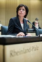 Berlin, Die Ministerpräsidentin von Rheinland-Pfalz, Malu Dreyer (SPD), am Freitag (03.05.13) bei der 909. Sitzung des Bundesrats in Berlin.