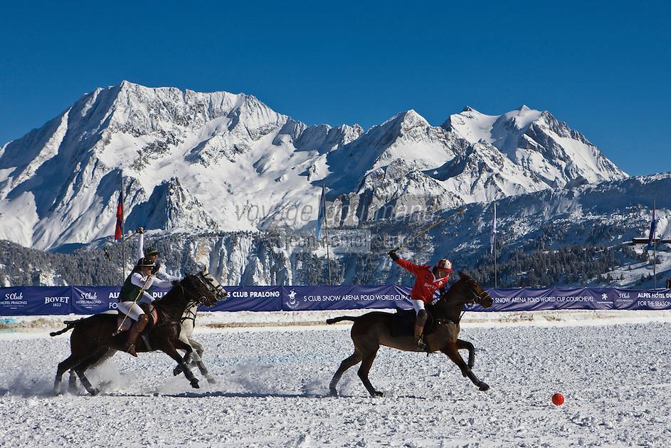 Europe/France/Rhone-Alpes/73/Savoie/Courchevel: Coupe du Monde de Polo sur Neige - le tournoi de Polo le plus haut du monde - En fond le Massif du Mont-Blanc