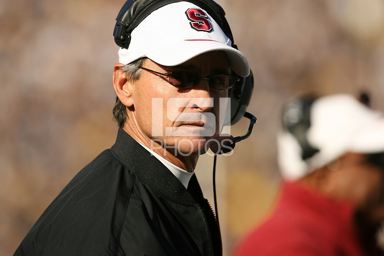 2 December 2006: Head coach Walt Harris during Stanford's 26-17 loss to Cal in the 109th Big Game at Memorial Stadium in Berkeley, CA.