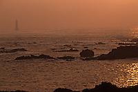 Europe/France/Bretagne/29/Finistère/Ile d'Ouessant: Le phare de la Jument au soleil couchant