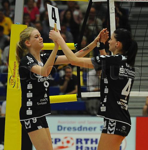 22 04 2011  Substitution of players Jessica Greeting  for Stefanie Karg both Dresden. Dresdner SC against USC Muenster Volleyball 1 Bundesliga Women Margon Arena Dresden Bacher ground Road
