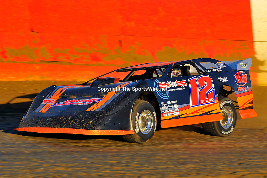 Feb. 3rd, 2009; 5:39:09 PM; Gibsonton, FL . USA; Lucas Oil Late Model Dirt Series.running at the East Bay Raceway Park.  Mandatory Credit: (thesportswire.net)
