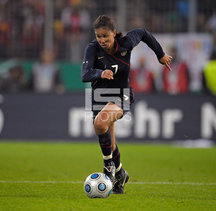 Shannon Boxx dribbles the ball. US Women's National Team defeated Germany 1-0 at Impuls Arena in Augsburg, Germany on October 29, 2009.