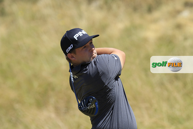Daniel Summerhays (USA) tees off the 8th tee during Friday's Round 2 of the 2015 U.S. Open 115th National Championship held at Chambers Bay, Seattle, Washington, USA. 6/19/2015.<br /> Picture: Golffile | Eoin Clarke<br /> <br /> <br /> <br /> <br /> All photo usage must carry mandatory copyright credit (&copy; Golffile | Eoin Clarke)