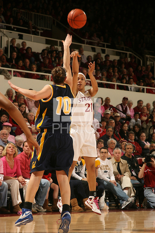 STANFORD, CA - FEBRUARY 14:  Guard Rosalyn Gold-Onwude #21 of the Stanford Cardinal during Stanford's 58-41 win against the California Golden Bears on February 14, 2009 at Maples Pavilion in Stanford, California.