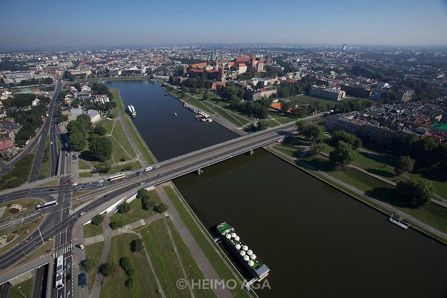 Poland, Krakow. Wisla river and Wawel (castle) seen from aboard the HiFlyer static balloon.