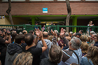 Catalan independence vote in Barcelona. The election goes ahead at a polling staion at the 'Ecole Barcelona' School despite the election being declared illegal by the government. 1-10-17 Local people applaud as the polling station opens.
