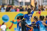 HAMILTON, CANADA, 25.07.2015 - PAN-FUTEBOL - Formiga do Brasil comemora medalha de ouro após ganhar de 4 a 0 da Colombia em partida da final do futebol feminino nos jogos Pan-americanos no Estadio Tim Hortons em Hamilton no Canadá neste sábado, 25.  (Foto: William Volcov/Brazil Photo Press)