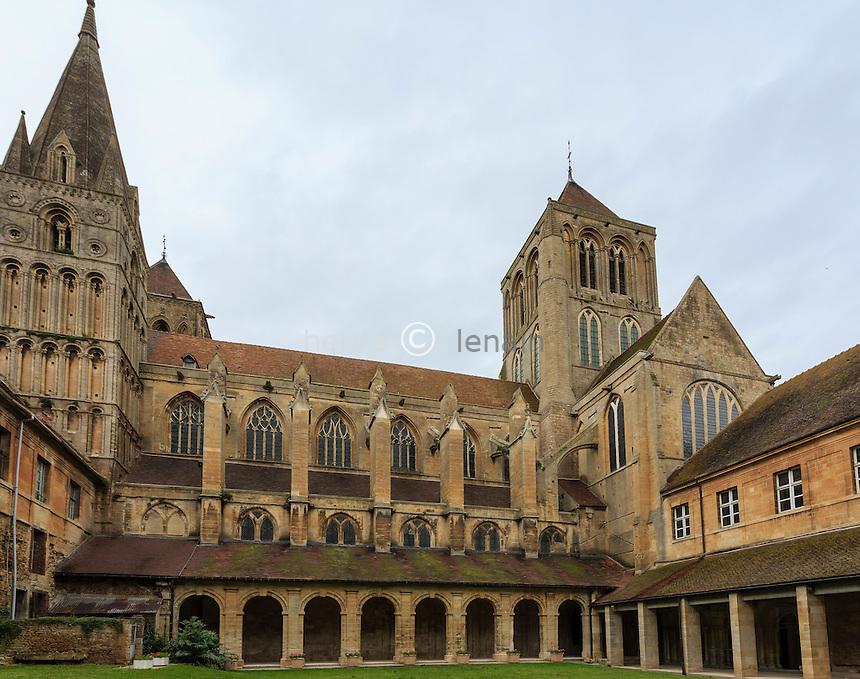 France, Calvados (14), Saint-Pierre-sur-Dives, l'abbaye // France, Calvados, Saint Pierre sur Dives, abbey