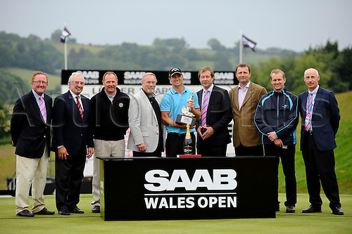 05.06.2011 Day four of the SAAB Wales Open Golf from Celtic Manor. Alexander NOREN (SWE) celebrates victory in the event with the presentation party after finishing the tournament on 9 under par after the fourth and final round on the Twenty Ten course.