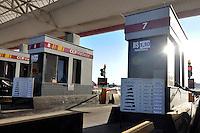 BARUERI, 01 DE JULHO DE 2012 - AUMENTO PEDÁGIOS SP:  A tarifa dos pedágios das rodovias paulista foram reajustados apartir deste domingo (01). O primeiro pedágio da Rodovia Castelo Branco (foto), saída para Alphaville foi reajustado de R$ 3,20 para R$ 3,30. FOTO: LEVI BIANCO - BRAZIL PHOTO PRESS