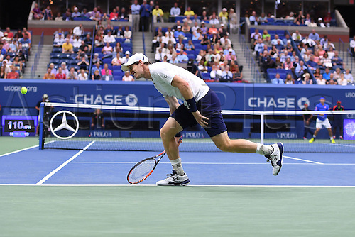 07.09.2016. Flushing Meadows, New York, USA. US Open Tennis Championships, mens singles quarter-final.  Andy Murray returns to Kei Nishikori (JPN) who won the game in 5 sets