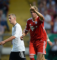 FUSSBALL       DFB POKAL 1. RUNDE        SAISON 2013/2014 BSV Schwarz-Weiss Rehden  - FC Bayern Muenchen  05.08.2013 Torjubel: Thomas Mueller (FC Bayern Muenchen)