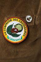 Europe/Provence-Alpes-Côte d'Azur/83/Var/Massif des Maures/Collobrières: Détail de la tenue  de la Confrérie des Castanaires lors de  la Fête de la Châtaigne