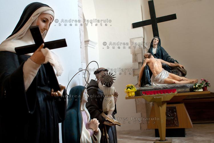 Italia, Isole Tremiti.<br /> Isola di San Nicola, la chiesa di Santa Maria a Mare.<br /> Italy, Tremiti islands.<br /> Santa Maria a Mare church.