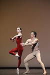 TROISIEME SYMPHONIE DE GUSTAV MAHLER....Choregraphie : NEUMEIER John..Decor : NEUMEIER John..Lumiere : NEUMEIER John..Avec :..LE RICHE Nicolas..OSTA Clairemarie..Lieu : Opera Bastille..Ville : Paris..Le : 11 03 2009..© Laurent PAILLIER / photosdedanse.com