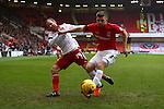 Sheffield United's Matt Done battles Coventry's Chris Stokes - Sheffield United vs Coventry City - SkyBet League One - Bramall Lane - Sheffield - 13/12/2015 Pic Philip Oldham/SportImage