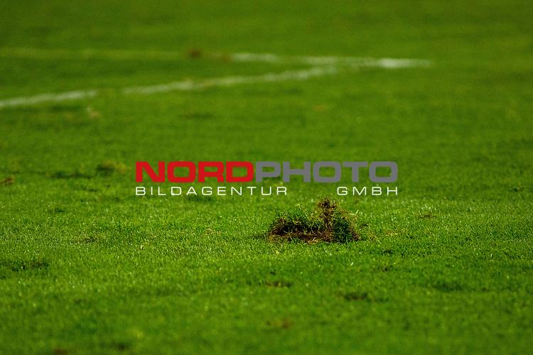 25.10.2017, Stadion an der Bremer Br&uuml;cke , Osnabr&uuml;ck, GER, DFB Pokal, Runde 2, VfL Osnabr&uuml;ck vs 1. FC N&uuml;rnberg<br /> , <br /> <br /> im Bild | pictures shows:<br /> Rasen im Stadion an der Bremer Br&uuml;cke, <br /> <br /> Foto &copy; nordphoto / Rauch